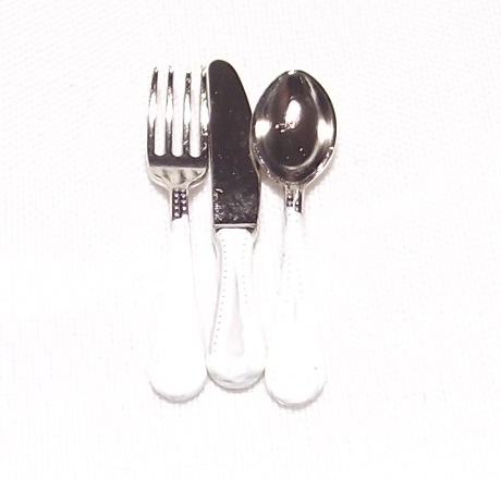 Cutlery - serves 4 - White